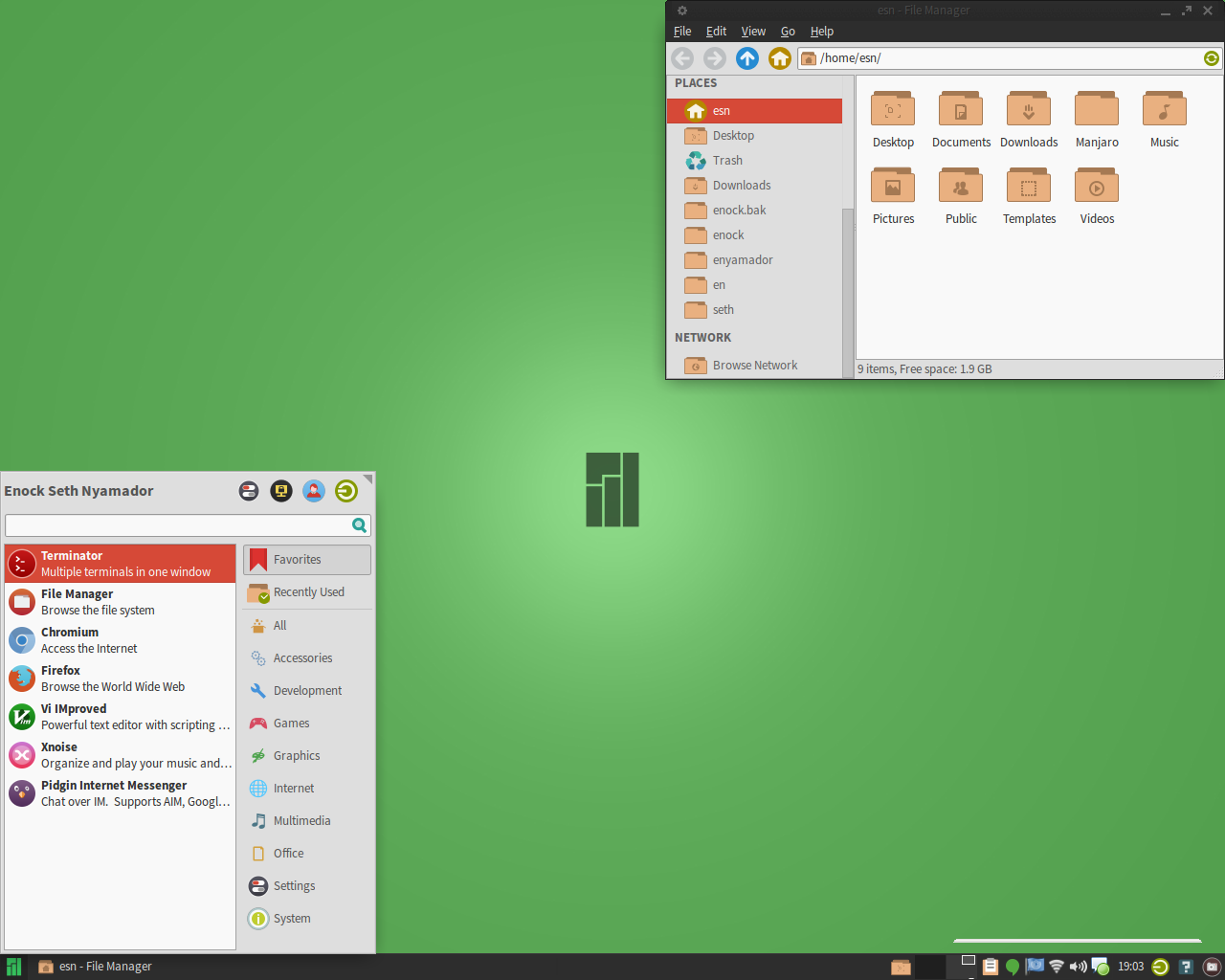 Enock_Manjaro_Numix_Desktop